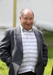 С.М. Мартынов на открытии мемориальной доски В.П. Карагулину в Васильевке  в 2011 году